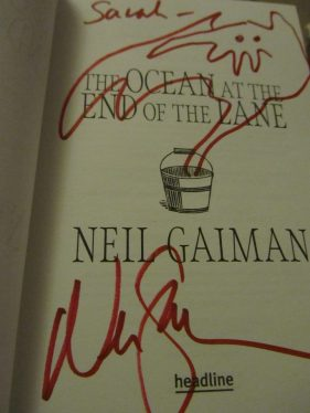 book-signing-ng